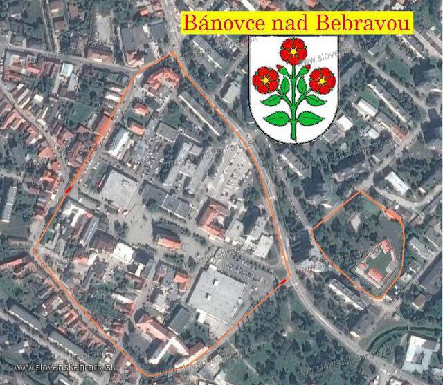 Bánovce nad Bebravou - Opevnenie s hradom. Je možné že ohrady mali aj priekopy.