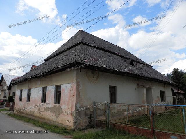 Belá - kúria rodu Revay v Belej
