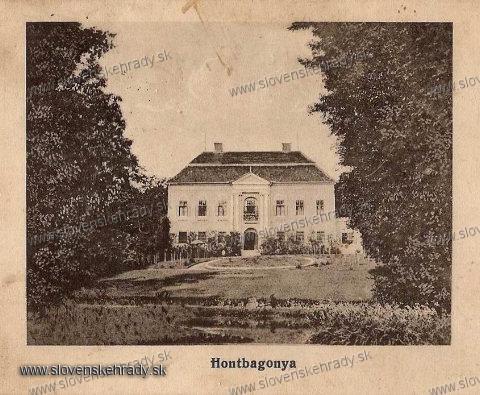 Bohunice - klasicistický kaštieľ na pohľadnici z roku 1900