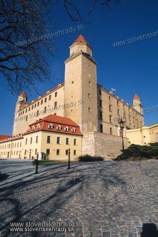 Bratislavský hrad - pohľad od juhozápadu