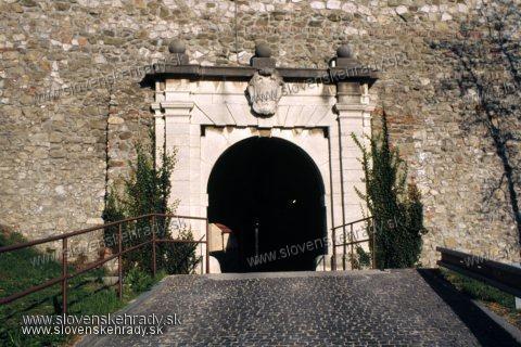 Bratislavský hrad - Leopoldova brána