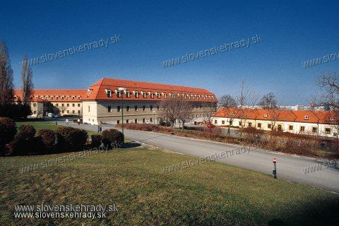 Bratislavský hrad - budova pri Mikulášskej bráne