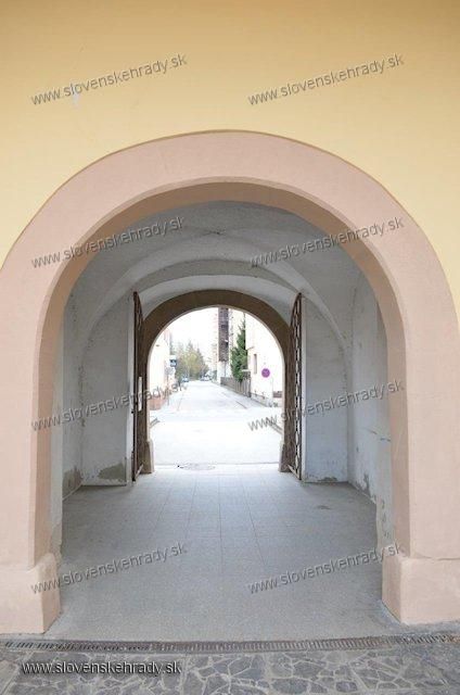 Bytča - Popperov palác - pôvodná renesančná brána