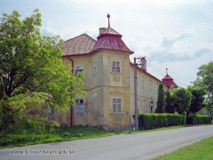 Čakany - barokový kaštieľ