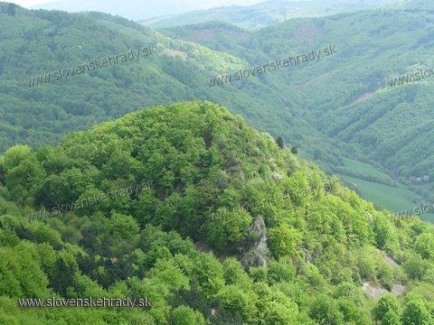 Čierna Lehota - hradný vrch od sedla Záhradčie