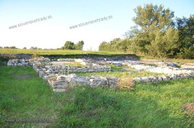 Dievčí hrad - rímske opevnenie
