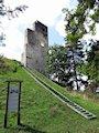 Dobrá Niva - hrad nad obcou Podzámčok
