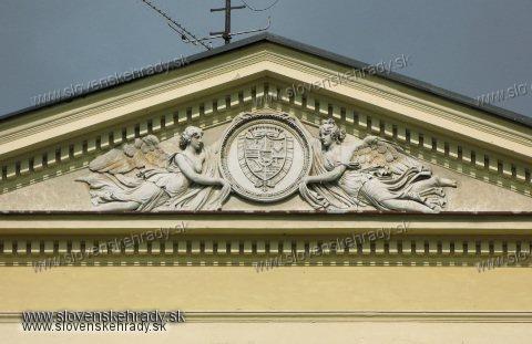Dolná Krupá - klasicistický kaštieľ