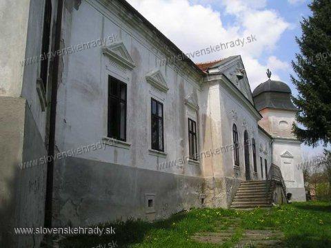 Dolná Strehová - rokokovo-klasicistický kaštieľ - terajšie múzeum