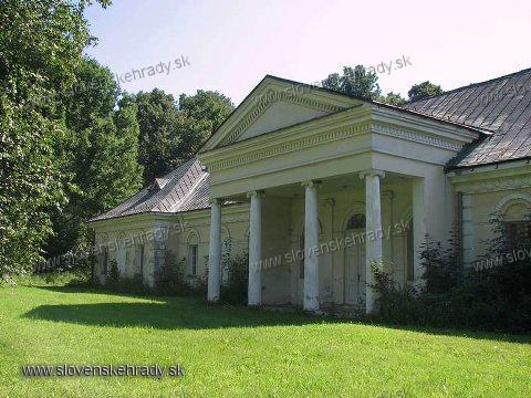 Gbeľany - klasicistická kúria