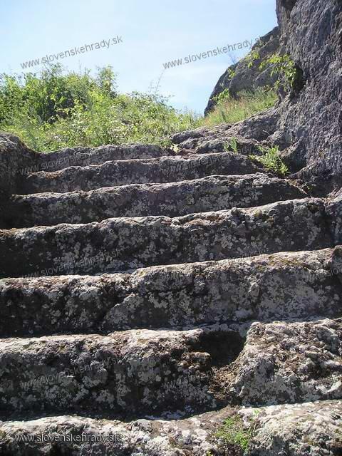 Hajnáčka - schody vytesané v skale