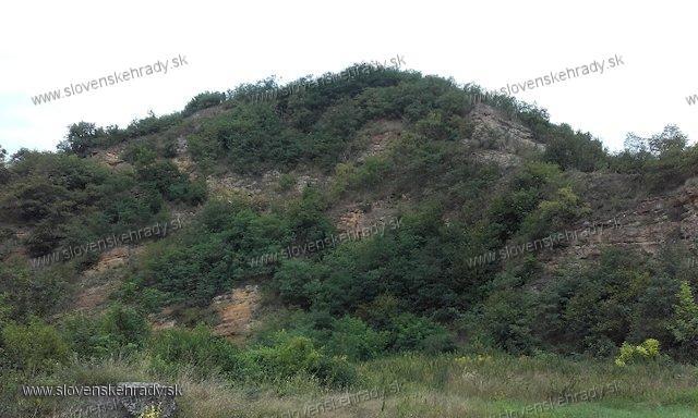 Hodejov - pohľad na hradný kopec