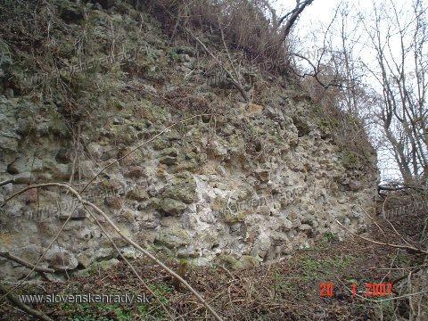 Hodejov - východný múr