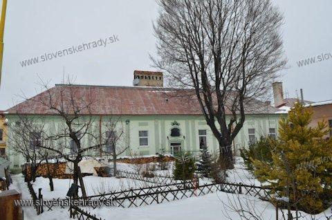 Huncovce - rokokovo-klasicistická kúria