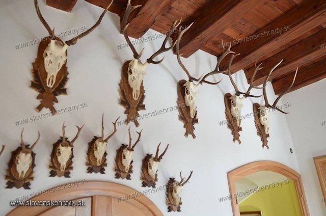 Jasenica - renesančno-barokový kaštieľ