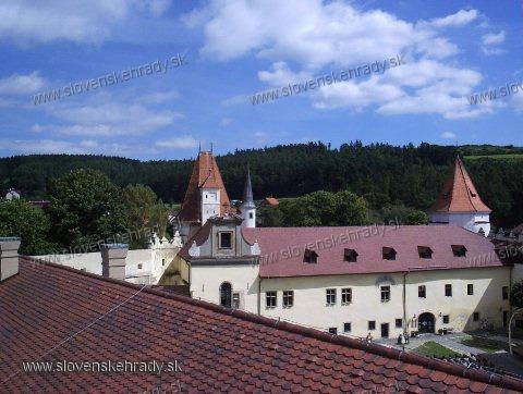 Kežmarský zámok - pohľad na nádvorie z veže