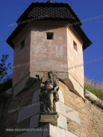 Komárno - socha na rohu pevnosti