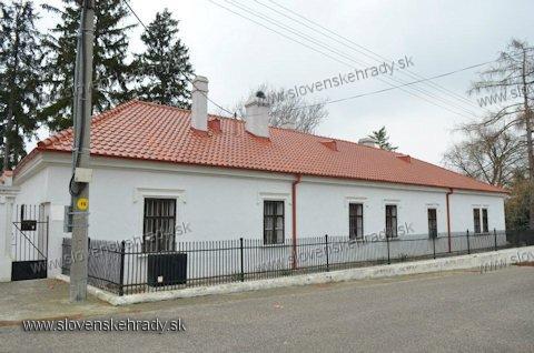 Koniarovce - baroková kúria