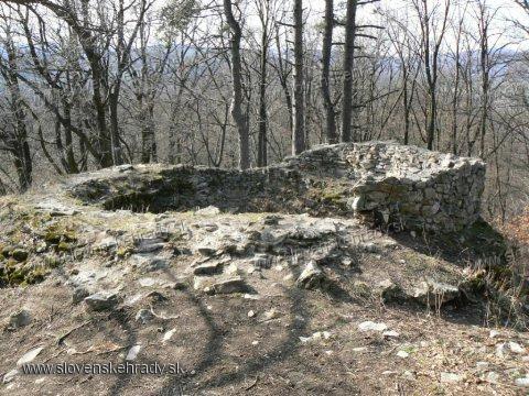 Košický hrad - kruhová veža na skalách
