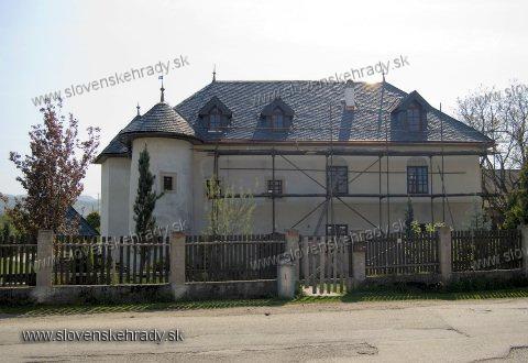 Kotešová - goticko-renesančá kúria