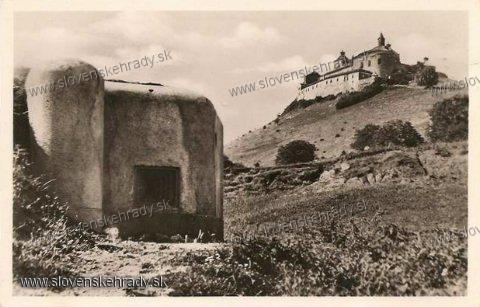 Krásna Hôrka - hrad s bunkrom okolo roku 1935