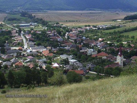 Krásna Hôrka - pohľad na Krásnohorské Podhradie z hradu