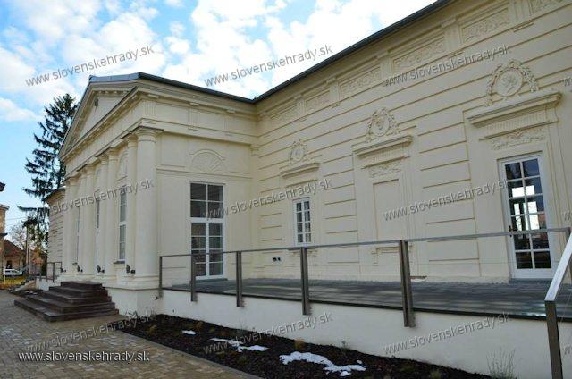 Krásna nad Hornádom - klasicistický kaštieľ