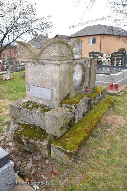 Krásna nad Hornádom - hrobka rodu Mesko de Szeplak et Eniczke