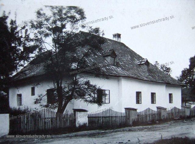 Laclavá - kúria Vendelína Veliča