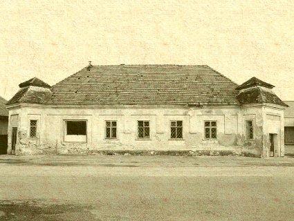 Majcichov - ranobaroková kúria