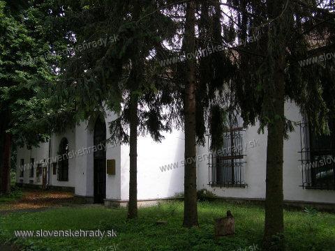 Michalovský hrad - expozícia prírodovedy Zemplínskeho múzea v areáli