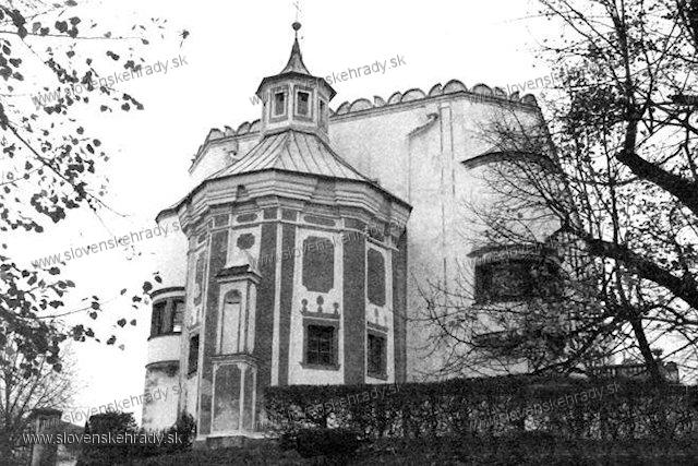 Moravany nad Váhom - pôvodne renesančný kaštieľ