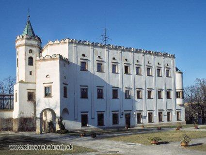 Moravany nad Váhom - renesančný kaštieľ