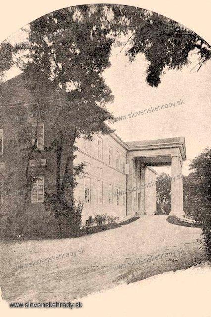 Pečeňady - klasicistický kaštieľ - zbierka Borovszky