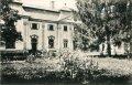 Petrovany - barokovo-klasicistický kaštieľ na starej pohľadnici<br>Zdroj: www.aukro.sk