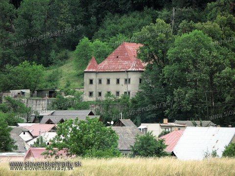 Považské Podhradie - renesančný kaštieľ