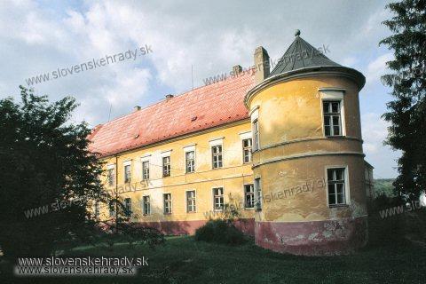 Pruské - renesančno-barokovo-klasicistický kaštieľ