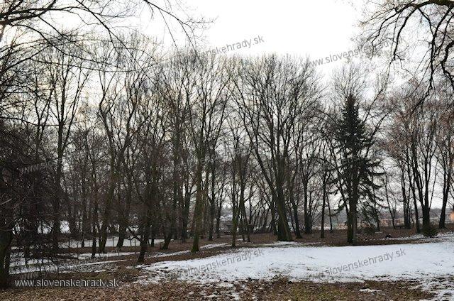 Pusta Jager - park okolo kaštieľa