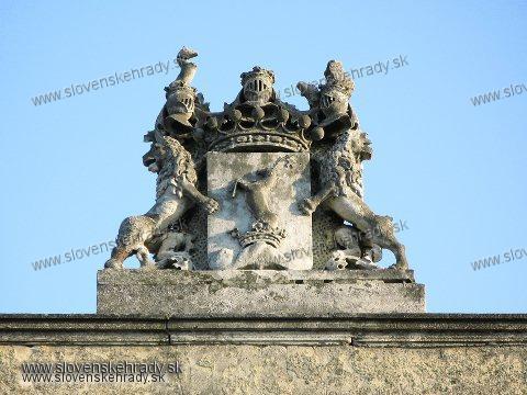 Rača - štít na barokovej kúrii