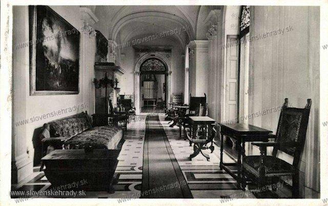 Radvaň - interiér kaštieľa