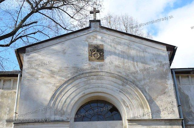 Radvaň - hrobka rodu Radvánszky
