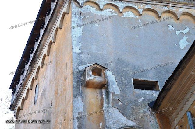 Radvaň - goticko-renesančný kaštieľ