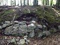Rajec - fragment muriva s nezistenou vykopávkou v zemi