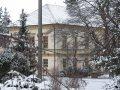 Rakovice - pôvodne renesančný, klasicisticky prestavaný kaštieľ
