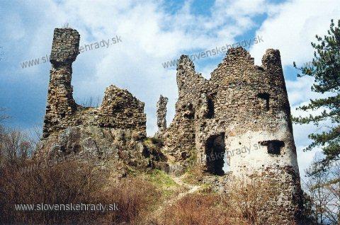 Revište - vstupná bašta do horného hradu