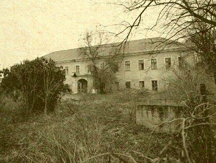 Rumanová - neskoroklasicistický kaštieľ