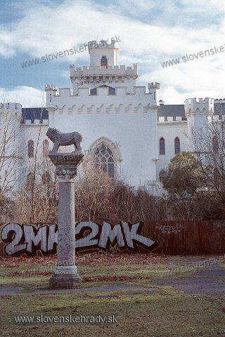 Rusovce - neogotický kaštieľ