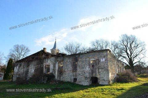 Santovka - barokovo-klasicistická kúria