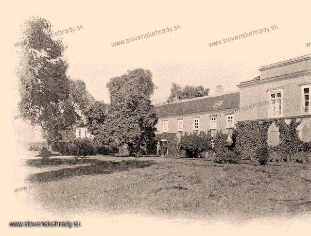 Šintava - pôvodne klasicistický kaštieľ - zbierka Borovszky