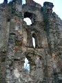 Slanec - časť múru s gotickým oknom
